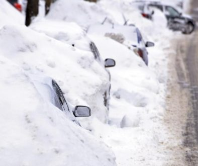 cars-parked-in-snow.k